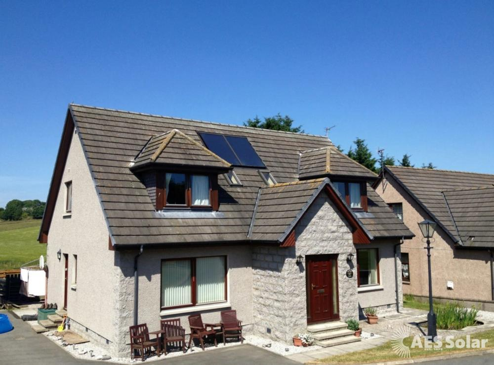In-roof solar thermal panels for water heating, in Aberdeenshire