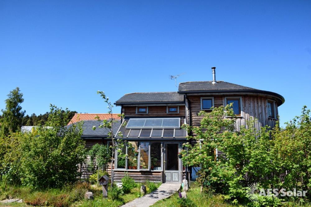 AES Endurance – solar thermal panels, Findhorn, Moray