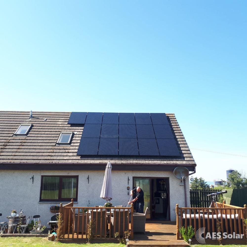 4KW all-black solar PV installation in Turriff